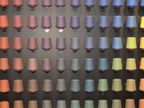 spoelen met kleuren